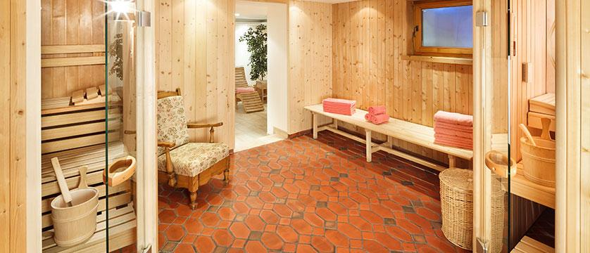 chesa-rosa-sauna2.jpg